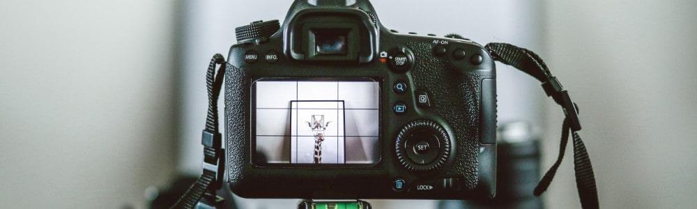 Fotokamera-anvisiert-Adecco-Blog